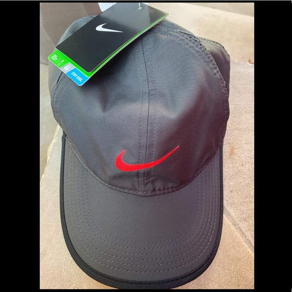 99e65d85e16d2d Nike Accessories | Drifit Featherlight Adjustable Hat | Poshmark